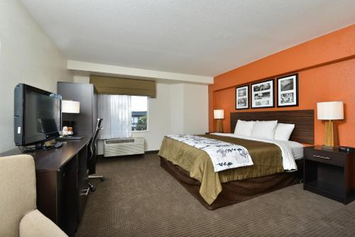 Sleep Inn & Suites Riverfront Photo