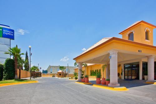 Holiday Inn Express Chihuahua Photo
