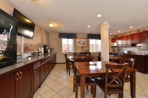 Canadas Best Value Inn And Suites Princeton - Princeton, BC V0X 1W0