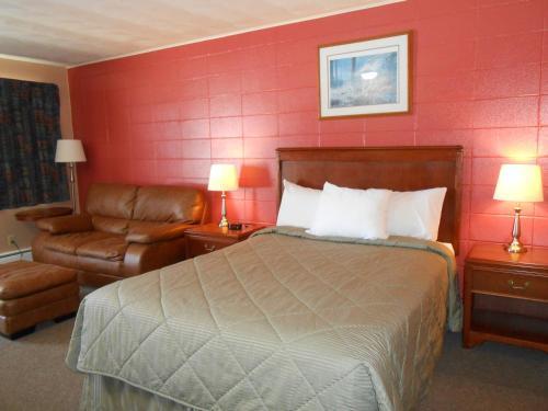 Aquarius Motel - Perth, ON K7H 2S1
