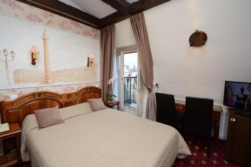 Familia Hotel photo 4