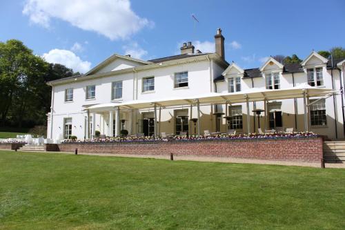 Kesgrave Hall, Hall Rd, Kesgrave, Ipswich IP5 2PU.