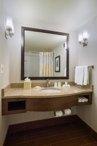 Hilton Garden Inn Edison/raritan Center - Edison, NJ 08837