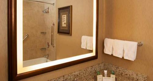 Hilton Eugene Photo