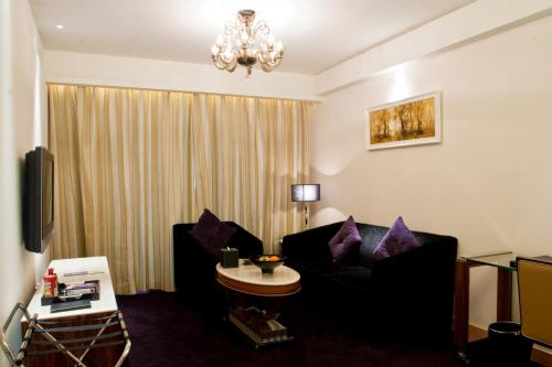 Wealthy All Suite Hotel Suzhou photo 45