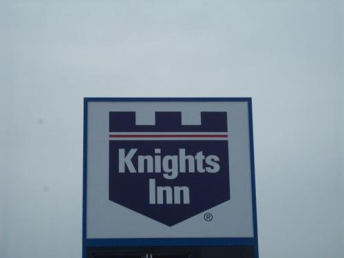 Knights Inn Grand Rapids East Airport Photo