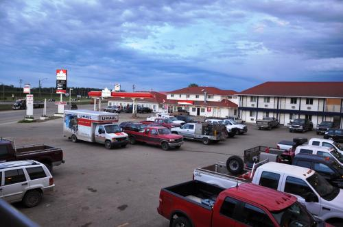 Blue Bell Inn - Fort Nelson, BC V0C 1R0