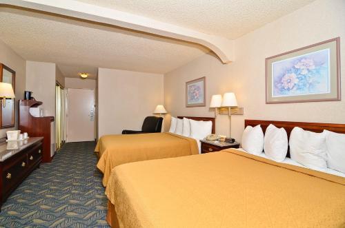 Quality Inn & Suites Walnut Photo