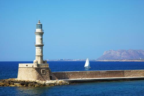 Aggelou 2, Chania 73100, Crete, Greece.