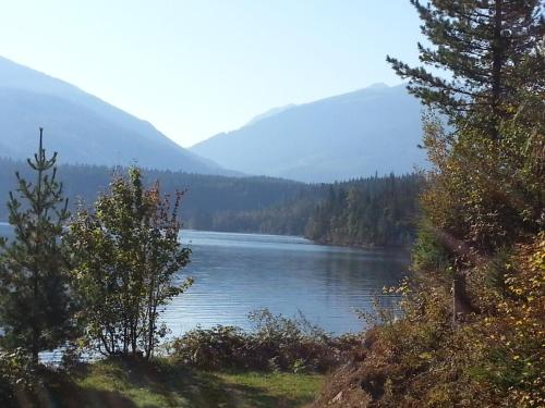 Top Hat Terrace Vacation Rental - Revelstoke, BC V0E 2S0