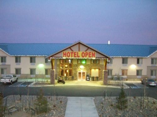 A Riverside Inn Hotel - Fairplay, CO 80440