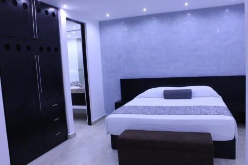 Hotel 770 Photo