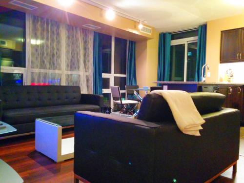 Napa Furnished Suites At Cn Tower & Maple Leaf Square - Toronto, ON M5J 3A3