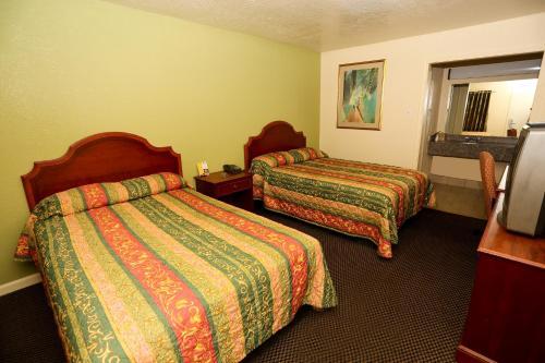 Texas Inn Beaumont - Beaumont, TX 77706