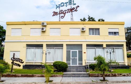 Hotel Magnet Photo