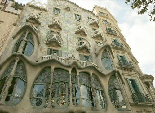 BizFlats Eixample Apartments photo 3