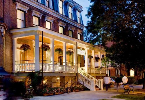 Hotels Vacation Als Near Saratoga National Golf Club Usa