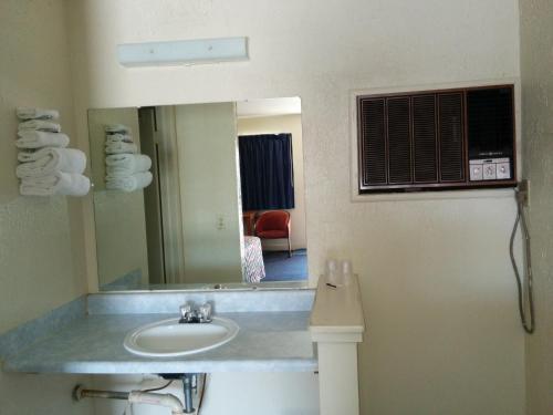 Crystal Motel Photo