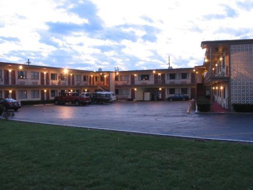 Campus Inn - West Lafayette, IN 47906
