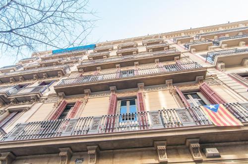 BizFlats Eixample Apartments photo 5