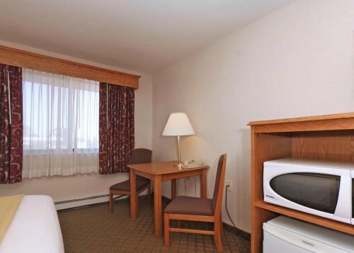 Quality Inn Saint Cloud Photo