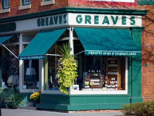 Greaves Sweet Escape - Niagara On The Lake, ON L0S 1J0