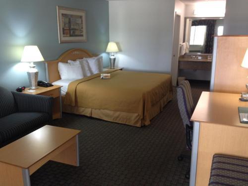 Quality Inn - Clute Photo
