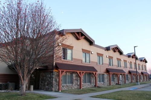C'mon Inn Grand Forks - Grand Forks, ND 58201
