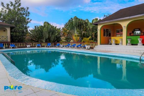 Charmant Pure Garden Resort Negril Hotel
