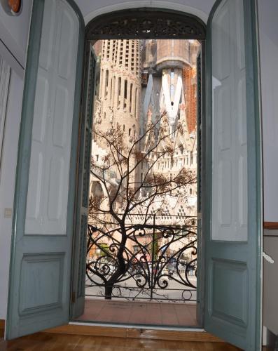 Gaudí Apartment photo 7