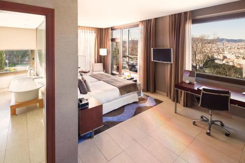 Premium Double Room Hotel Miramar Barcelona GL 9