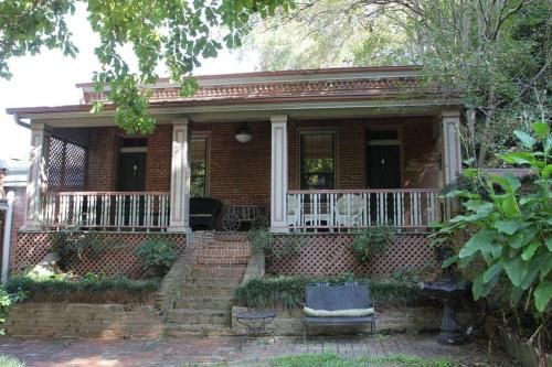 Corners Mansion Inn - A Bed And Breakfast - Vicksburg, MS 39180