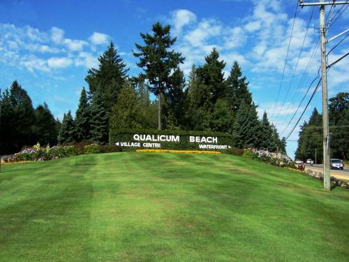 Crown Mansion Boutique Hotel & Villas - Qualicum Beach, BC V9K 0A5