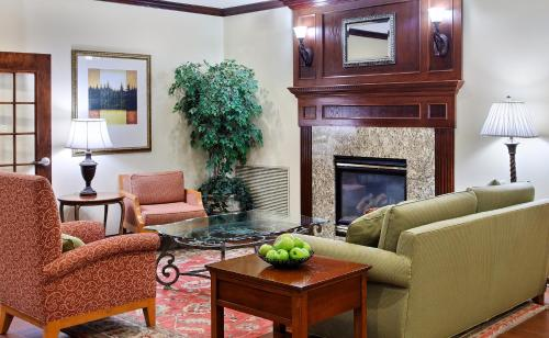 Country Inn & Suites by Radisson, Elgin, IL Photo