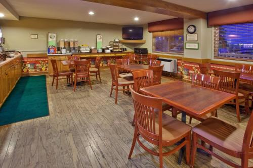 Country Inn & Suites By Radisson Regina Sk