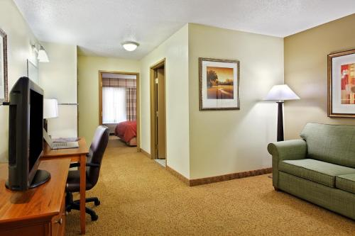 Country Inn & Suites by Radisson, Sycamore, IL Photo