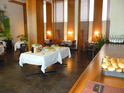 Grand Hotel Mercedes Photo