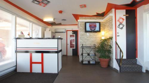 Harmony Inn - Goderich, ON N7A 3G6
