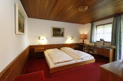 Hotel Neumayr photo 15
