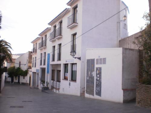 Calle Miguel Rosset, 23. 17488 Cadaqués, Girona, Spain.