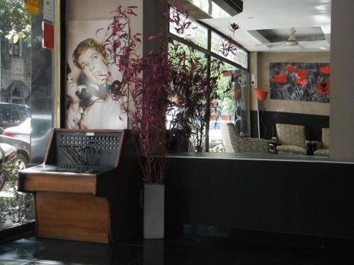 Hotel Zurich Photo