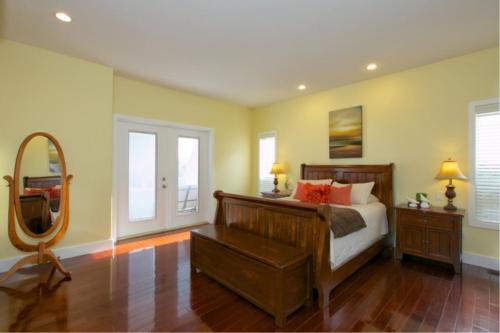 Lake Okanagan Bed And Breakfast - Kelowna, BC V4T 2R2