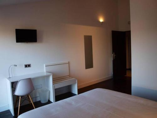 Deluxe Double or Twin Room - single occupancy Hotel Las Casas de Pandreula 16