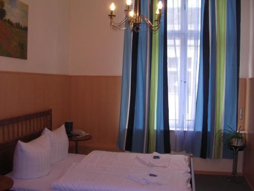 Hotel-Pension Rheingold am Kurfürstendamm photo 3