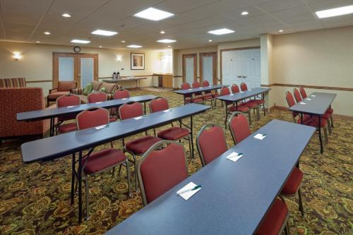 Country Inn & Suites by Radisson, Stevens Point, WI Photo