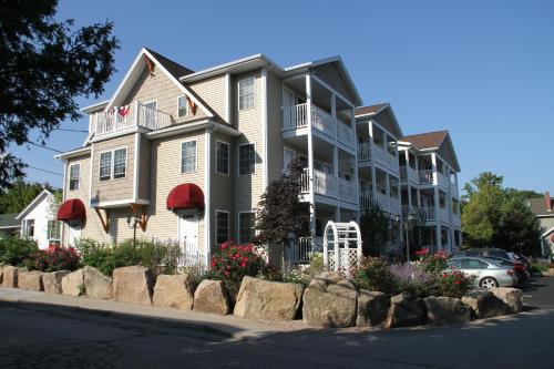Bar Harbor Manor - Bar Harbor, ME 04609