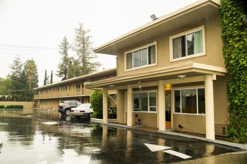 Budget Inn Redwood City Photo