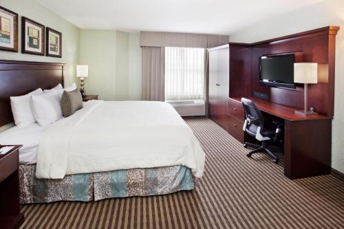 Holiday Inn Express & Suites Atlanta Buckhead - Atlanta, GA 30324