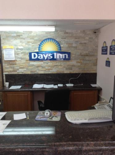 Days Inn - Mason City Photo