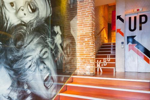 Kabul Party Hostel Barcelona photo 10